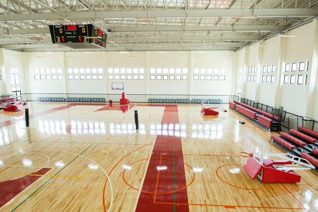 Instalación de duelas para cancha de basquetbol